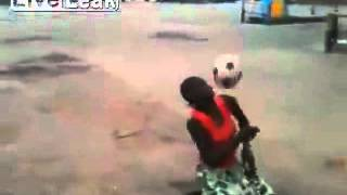 Скачать African Woman Football Soccer Skills Like A BOSS