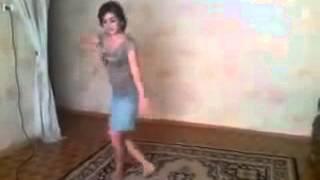 Чеченская Девушка,Танцует Лезгинку!!! (Исправил звук)