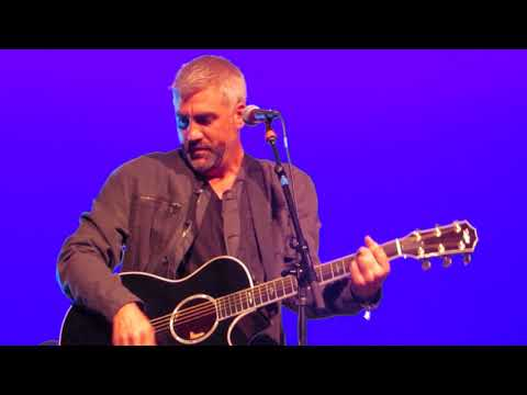 Taylor Hicks covers Night Moves