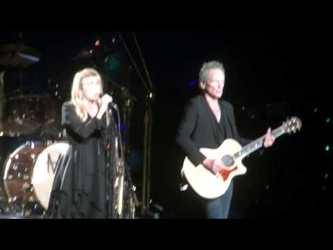 Fleetwood Mac-Landslide live in Milwaukee, WI 2-12-15