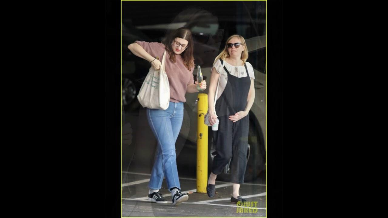 Kirsten Dunst shows off baby bump