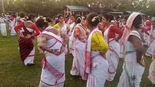 Moran bihu dance