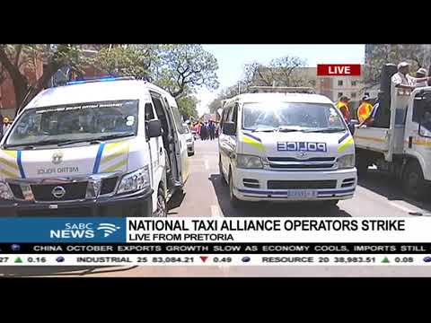 UPDATE: Striking taxi drivers make their way to Union Buildings