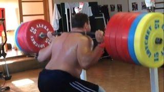 Aleksey Lovchev — 290 kg x 4  Squats