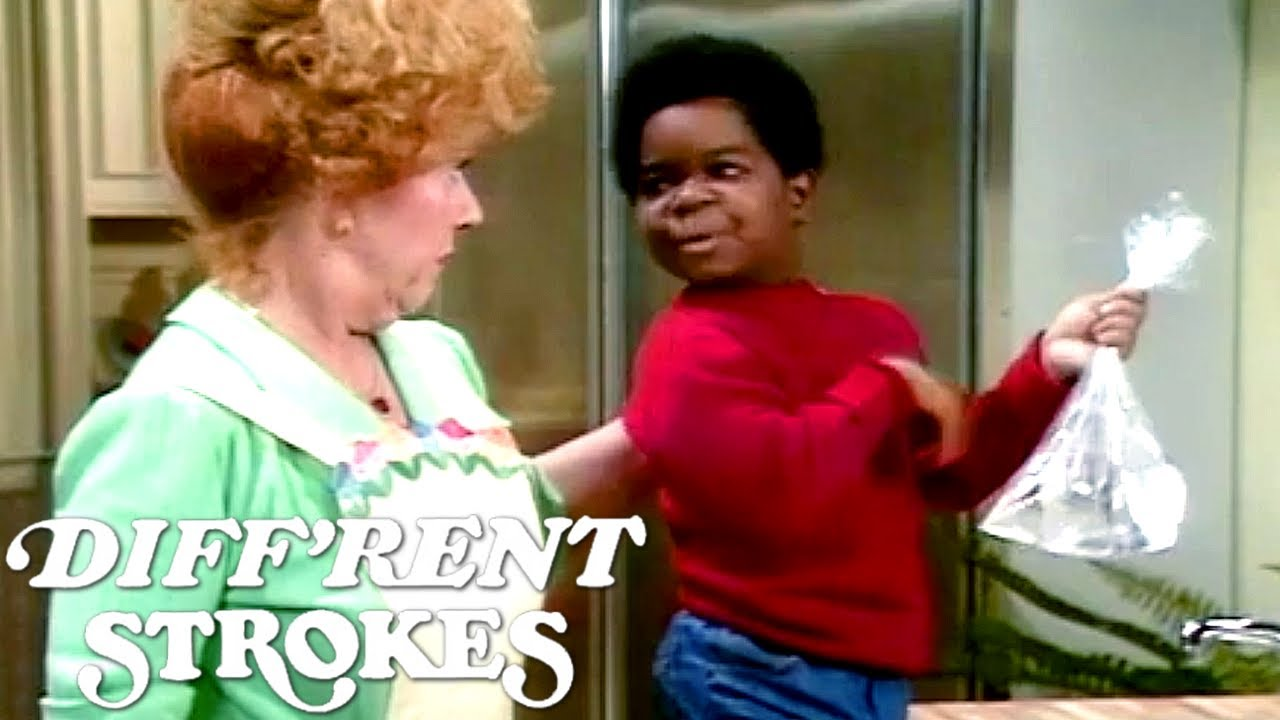 Arnold Drops A Water Bomb! | Diff'rent Strokes