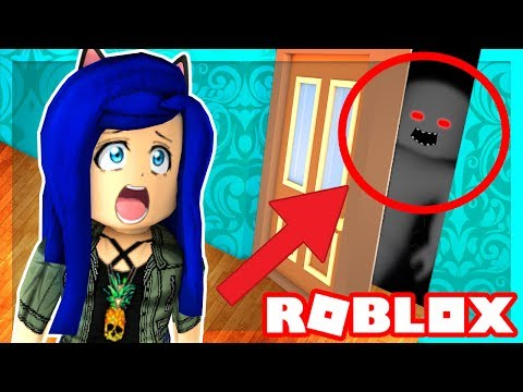 Roblox Family  WHAT'S INSIDE THE HAUNTED CREEPY SECRET ROOM!? (Roblox Roleplay)