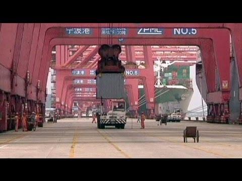 Import slump boosts China trade surplus