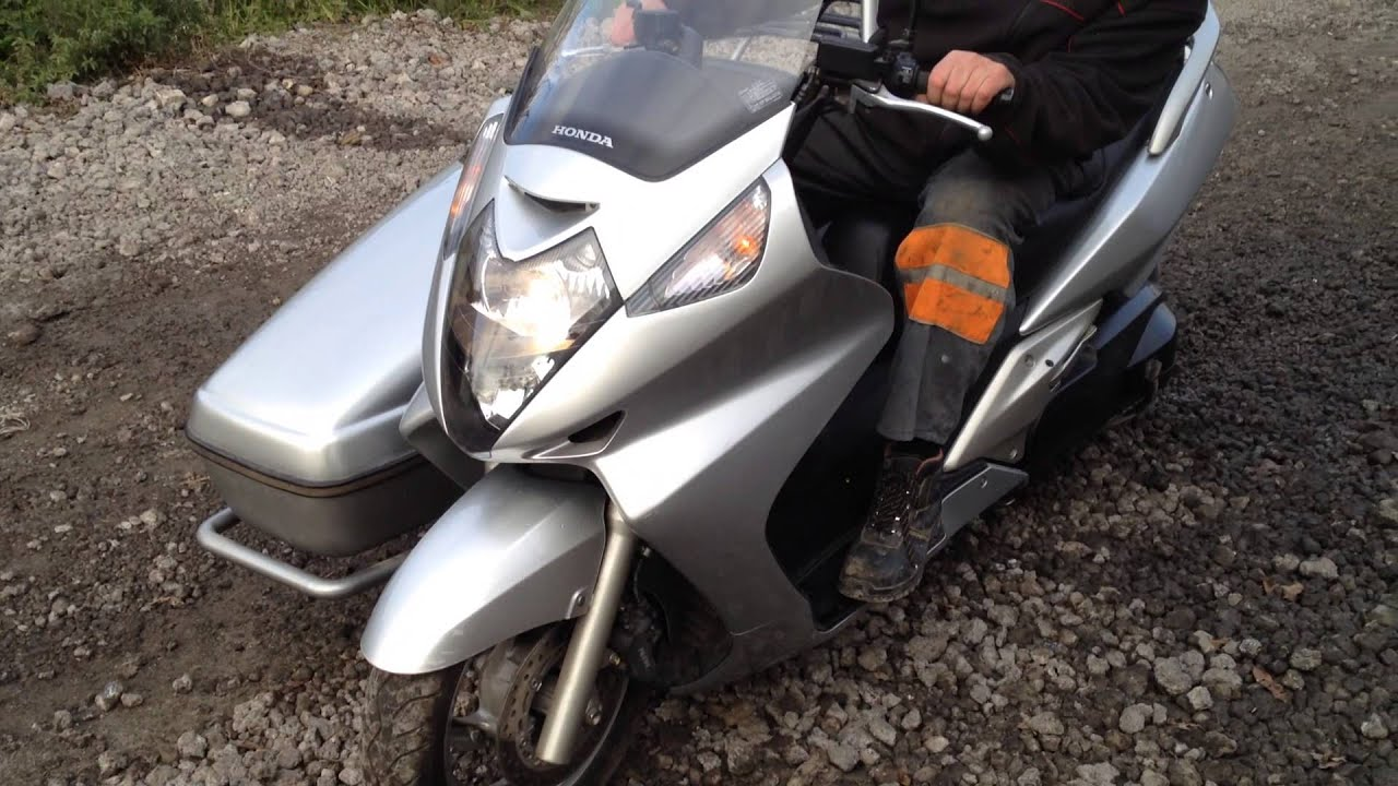 Tilting Motor Works >> Silver Wing 600 with sidecar - YouTube