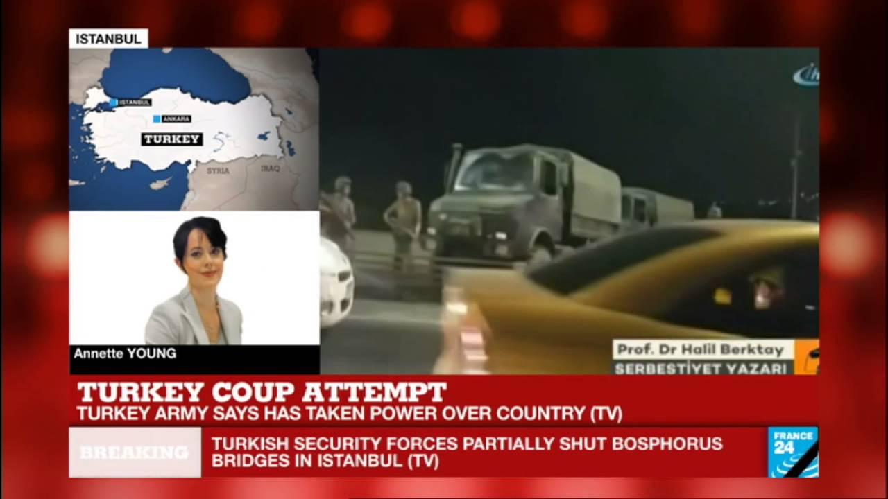 Turkey coup: gunfire heard on Istanbul Bosphorus bridges, blocked by tanks
