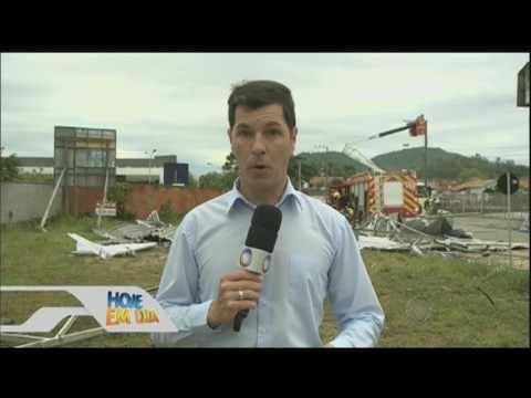 Uma criança morre e duas pessoas desaparecem após temporal em Santa Catarina