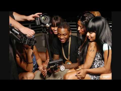 Soulja Boy Ft. Roscoe Dash - ALL THE WAY TURNT UP W/Download Link