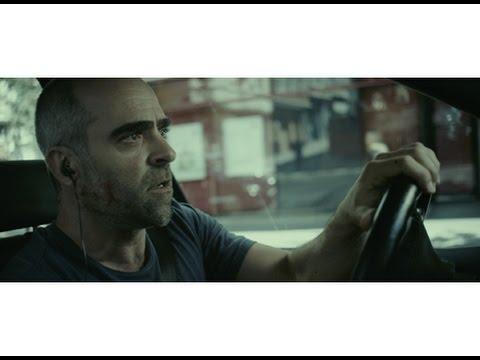 車には時限爆弾、後部座席にいる自分の子供は負傷、さあどうする!?映画『暴走車 ランナウェイ・カー』予告編