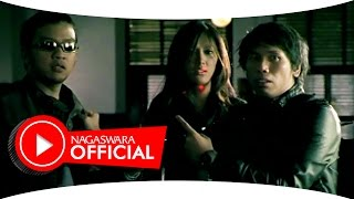Video Kerispatih - Bila Rasaku Ini Rasamu (Official Music Video NAGASWARA) #music download MP3, 3GP, MP4, WEBM, AVI, FLV November 2017