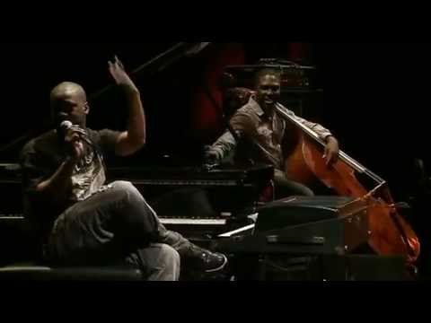 Robert Glasper Trio - LIVE at The Village...