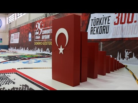 300,000 Dominoes - Turkish Domino Record - Bursa Domino Show 2016
