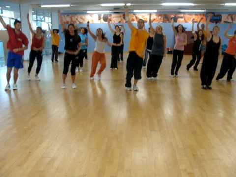 Flashmob bac de roda 22 05 2010 coreografia youtube for Gimnasio bac de roda