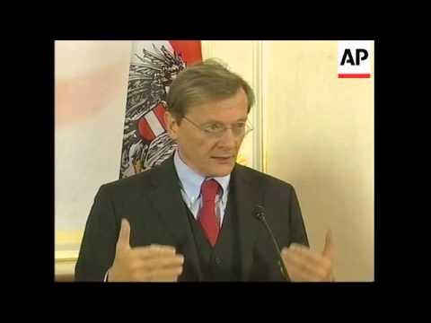 WRAP Polish PM visits Austria, photo op and presser