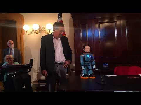 Robot joins Gov. John Kasich to sign executive order prioritizing technology for people with disabilities