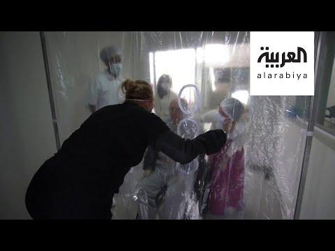 صباح العربية | فيديو مؤثر لعناقات من خلف الستارة  - نشر قبل 3 ساعة