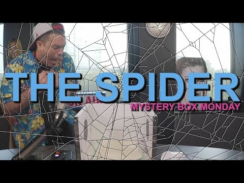 PK TV - Mystery Box Monday: The Live SPIDER!