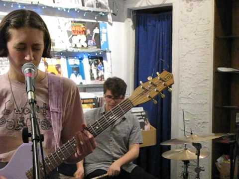 FRANKIE COSMOS Too Dark OTHER MUSIC NYC March 31 2016