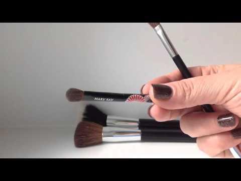 Лучшие помады, блески, карандаши и кисти для макияжа