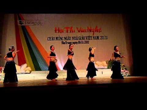 Múa Ấn Độ - 11B4 ischool Nha Trang