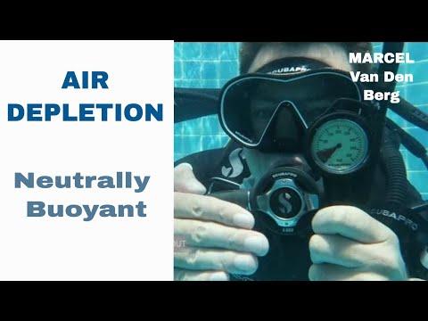 PADI Neutrally Buoyant Air Depletion Alternate Air Source Ascent IDC Divemaster Skill Circuit