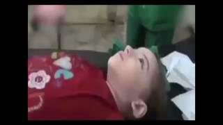 Кадры оказания помощи жертвам атаки химическим оружием в Сирии