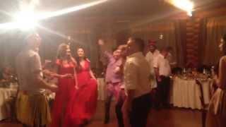Гости поздравляют ведущего ГАРИКА ШАПОВАЛОВА с Днём рождения прямо на Свадьбе