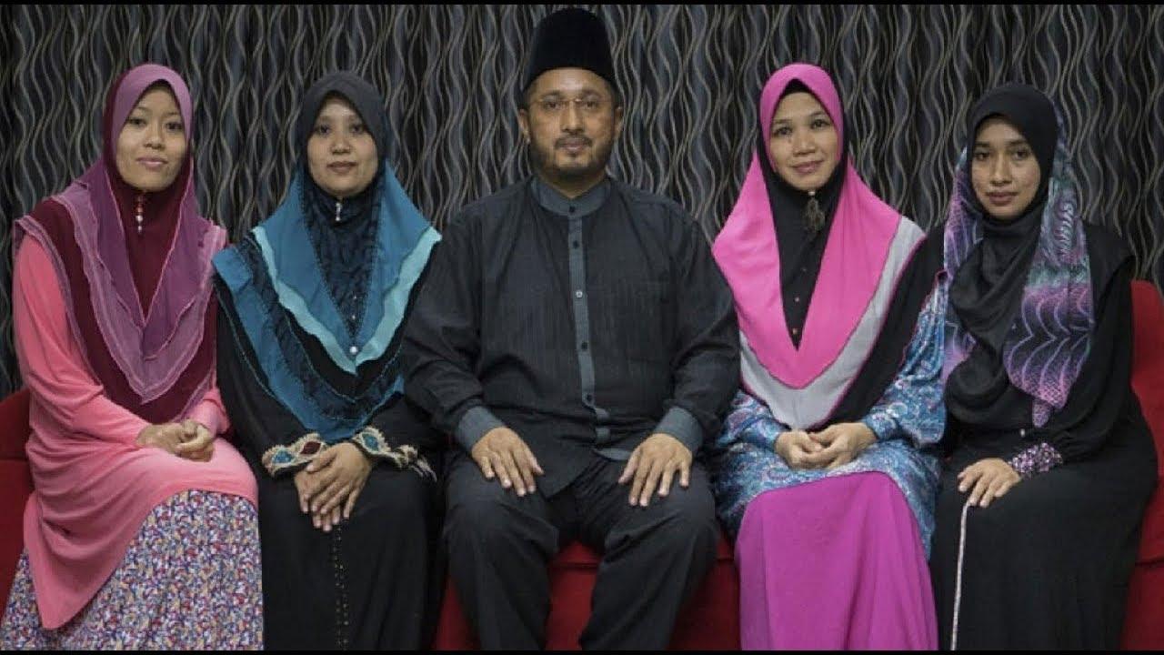 k es la poligamia