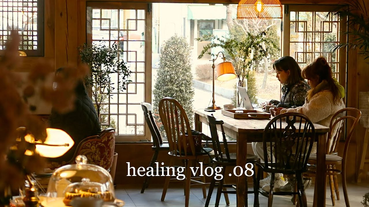 Winter in Korea: Cooking Korean Style Corn Dog + Folded Gimbap, Visit to Aesthetic Cafe | WAKEUP QQ