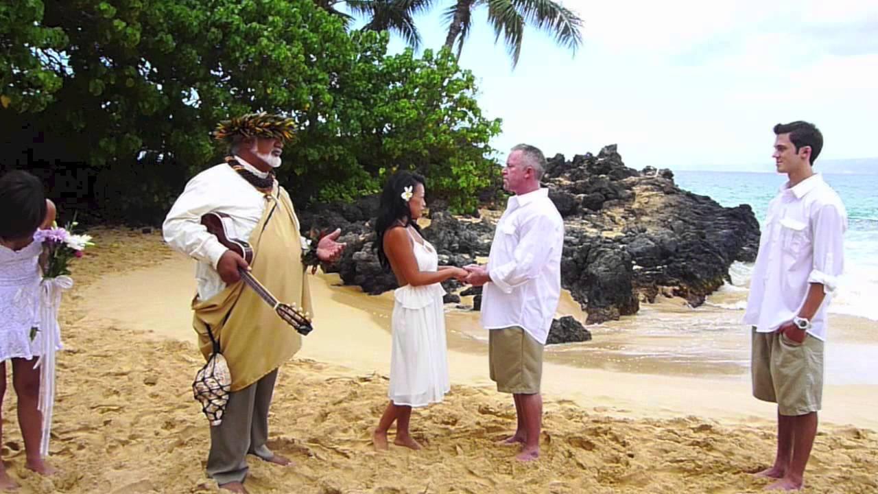 Mike And Bho Hallard Wedding At Secret Beach Makena Maui