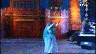 TINA SANI SINGING FAIZ AHMAD FAIZ GHAZAL : Bahaar Aayee