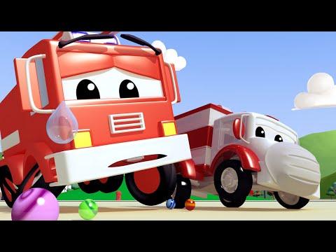 Amber der Krankenwagen -  Klein Frank das Feuerwehrauto hat eine Murmel verschluckt - Autopolis  🚓 🚒