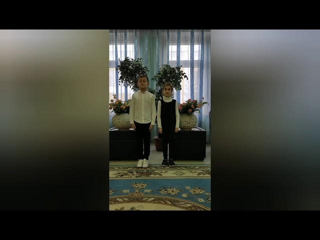 Изображение предпросмотра прочтения – ЕкатеринаЛаврова читает произведение «Листья (Пусть сосны иели…)» Ф.И.Тютчева