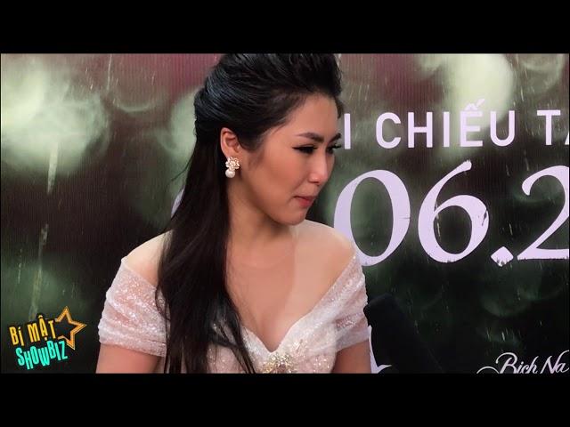 [8VBIZ] - Hương Tràm, Mai Tài Phến tình tứ ra mắt phim Em Gái Mưa