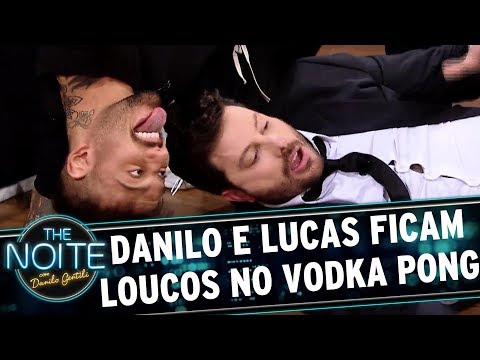 Lucas Lucco e Danilo ficam loucos jogando Vodka Pong   The Noite (29/08/17)
