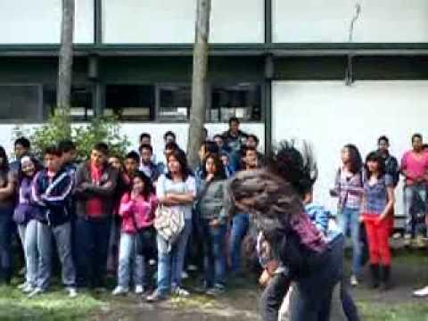 Metal en prepa 3 toluca mexico para la bienvenida youtube for Mural de prepa 1 toluca