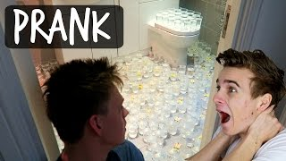 PAINFUL BATHROOM PRANK ON ROOMMATE thumbnail