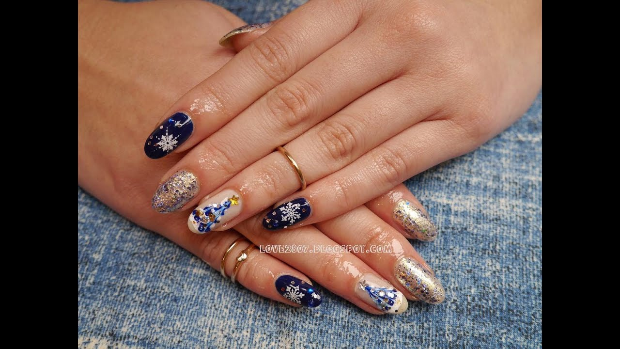 blue christmas nails with snowflakes christmas tree - Blue Christmas Nails