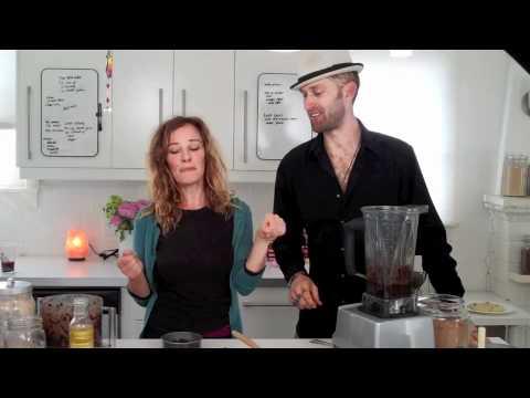 RAW VEGAN CHOCOLATE CAKE! with Chef Be Live! :) | dara dubinet