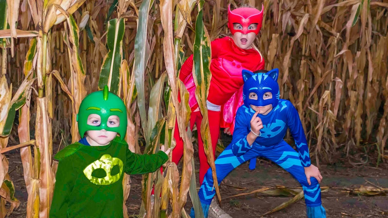 Download Corn Maze with Disney PJ Masks featuring the Assistant and Catboy, Owlette and Gekko