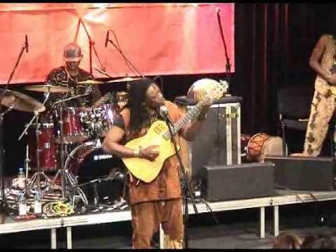Habib Koité & Bamada -2010- Muso Ko - live - mp3