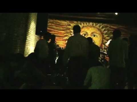 Q Bar #music #srilanka #defonsekaroad