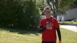 Här välkomnas Rikard Norling till AIK:s träning - TV4 Sport