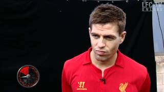 Steven Gerrard plays the Yes /No game