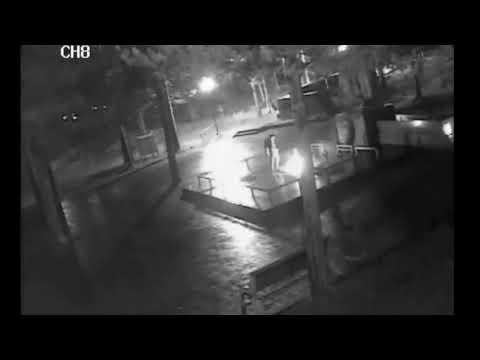 Вандалы сожгли венки на мемориале в Печоре