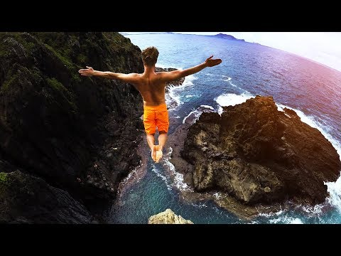 Cliff Jumping Hawaii 2.0 - 80 Foot Jump!