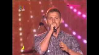 Алекс Малиновский - Не плачь со мной небо (Open Air МУЗ-ТВ 20.09.2015)